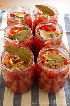 Fresh tomato for winter Antipasto, Sicilian Recipes, Italian Dishes, Stuffed Hot Peppers, My Favorite Food, Love Food, Pickles, Veggies, Food And Drink
