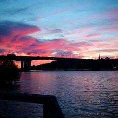 Yet another sunset over Mälaren. #sunset #naturensunder