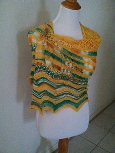 Ravelry: Sun Kissed Shawl pattern by Katie Degroff Knitting Designs, Knitting Patterns, Sun Kissed, Needles Sizes, Ravelry, Shawls, Color, Gift, Women