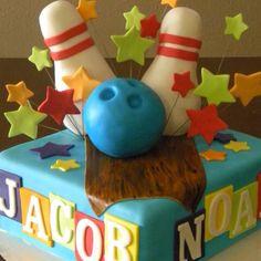 Bowling cake @Natalee Wexels