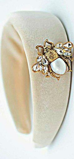 Queen Bees, Napkin Rings, Bugs, Brooch, Stylish, Jewelry, Fashion, Moda, Jewlery