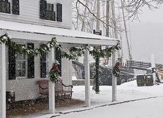 Anyone else dreaming of a white #Christmas? It's day 18 of our #holidaycountdown - only 1 week until Dec. 25! {Photo of Schaefer's Spouter tavern and the L.A. DUNTON by Andy Price, Dec. 2009}