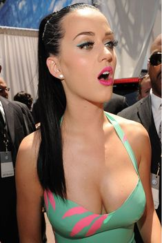 Katy perry boob plaster video