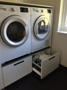 Utility Room Storage, Yellow Houses, Stacked Washer Dryer, Sofa Design, Laundry Room, Interior And Exterior, Washing Machine, Home Appliances, Bathroom