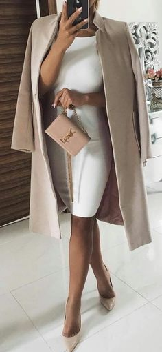 Fall winter trends - Winter 2019 fashion trends Discover the fall-winter fashion trends of the season. Mode Outfits, Chic Outfits, Spring Outfits, Fashion Outfits, Womens Fashion, Fashion Trends, Ladies Fashion, Fashion Ideas, Formal Winter Outfits