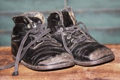 Just plain worn 'em out..... Old shoes  by stitchintimepatterns