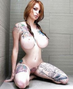 Naked sexy tattooed women