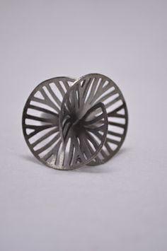 Valaipan Chupan, Thailand (Flow) :  Cut and Folded Disc Black Ruthenium Ring