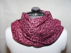 Bomullsscarf cerise 129:- @ http://decult.se/store/products/bomulls-scarf-cerise