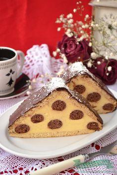 Prajitura Acoperis de Casa - Bucataresele Vesele Cold Desserts, Fancy Desserts, No Cook Desserts, Cookie Desserts, Cookie Recipes, Delicious Cake Recipes, Yummy Cakes, Yummy Treats, Sweet Recipes