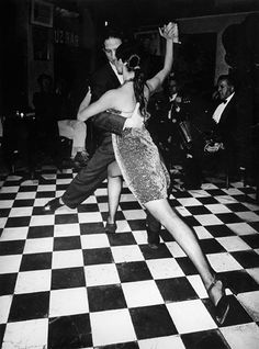 Photo by Daido Moriyama - Buenos Aires, S) I like the angle in which the artist has captured the movement because it looks like they will forever be in the certain pose Shall We Dance, Lets Dance, History Of Photography, Color Photography, Tango Dancers, Diane Arbus, Street Portrait, Dance Movement, Learn To Dance