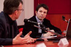 René van Zuuk con il moderatore Davide Tommaso Ferrando a #lookingaround 19 marzo 2015 © Jana Sebestova #vanzuuk