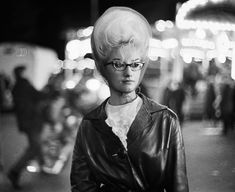 The girl with the cotton candy hair - Ed van der Elsken Helmet Hair, Candy Hair, Beehive Hair, Our Lady, Big Hair, Vintage Hairstyles, Hair Day, World War Two, Street Photography