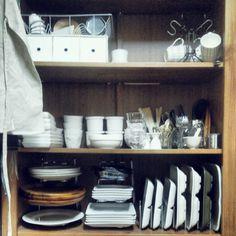 anri38さんの、キッチン収納,棚,収納,ニトリ,100均,ダイソー,シンプル,見せる収納,食器棚,IKEA,のお部屋写真