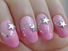 Ida-Marian kynnet / Pink gradient and silver stars / #Nails #Nailart