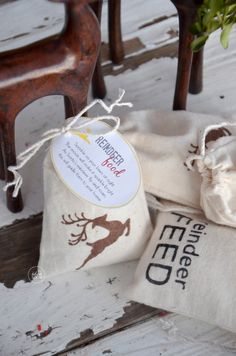 DIY Reindeer Feed Bags