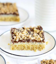 Toffee Bars are a gooey delight with layers of fla.- Chocolate Toffee Bars are a gooey delight with layers of flavor and satisfaction… Chocolate Toffee Bars are a gooey delight with layers of flavor and satisfaction! Chocolate Toffee Bars, Chocolate Chip Cheesecake Bars, Bakers Chocolate, Caramel Bars, Chocolate Desserts, Cheesecake Cake, Oreo Dessert, Pumpkin Dessert, Dessert Bars