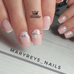 French Manicure has been a must for a well-groomed woman for centuries. The elegan manicure to perfection helps you to maintain your natural look and look glamorous. This elegant manicure… Burgundy Acrylic Nails, Best Acrylic Nails, Manicure Nail Designs, Nail Manicure, Chic Nails, Stylish Nails, Colorful Nail Designs, Nail Art Designs, Pink Nails