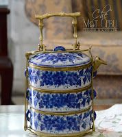 ♥ ~ ♥ Blue and White ♥ ~ ♥ Tiffin Lunch Box Blue And White China, Love Blue, Blue China, Tiffin Lunch Box, Tiffin Carrier, Vintage Lunch Boxes, White Dishes, Chinoiserie, White Porcelain