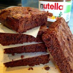 BROWNIES ALLA NUTELLA Deliziosi questi Brownies alla Nutella! Facili e Velocissimi da preparare, questi soffici Brownies diffondono un profumo di cioccolat