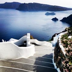 Stairway to paradise with breathtaking view , in famous Santorini island (Σαντορίνη) ❤️.