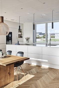 Grebsfri køkkenløsning i model Venezia Mat Line Kitchen Interior, New Kitchen, Contemporary Kitchen Design, My Dream Home, New Homes, Interior Design, House, Kitchens, Home Decor