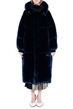 Similar to a modern-day opera coat, this Stella McCartney option is a thing of rare beauty. Inky blue and crafted from the plushest velvet, this is, without a doubt, the most glamorous (and plush) puffer on the block.Stella McCartney Ink Marcelline Coat, $2,590, available at Stella McCartney. #refinery29 http://www.refinery29.com/2016/08/121401/best-down-puffer-jackets-for-women#slide-4