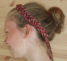 Åmli hairband is woven in a length of 3, 25m of thin linen and billedvevgarn… Going Out Of Business, Hair Band, Norway, Weaving, Loom Weaving, Crocheting, Knitting, Hand Spinning