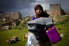 Človek v ohrození vyhlasuje verejnú zbierku na pomoc ľuďom v Sýrii Rodin, Syria, Bags, Handbags, Bag, Totes, Hand Bags