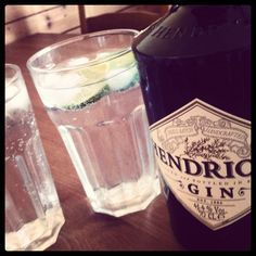 Chillout with Mr. Handricks and Mrs. cucumber ... Best gintonic of all!!