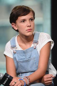 BUILD Series Presents Millie Bobby Brown, Gaten Matarazzo, Noah Schnapp, Natalia Dyer And Caleb McLaughlin Of 'Stranger Things' Millie Bobby Brown, Stranger Things Actors, Height And Weight, Celebs, Celebrities, Best Actress, Role Models, My Idol, Pop Culture