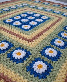 INSPIRATION - this leads to ETSY for purchases on afghans  (daisy square pattern available elsewhere)