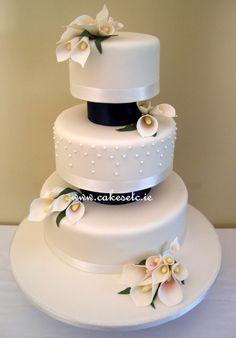 Cala Lilies Wedding Cake