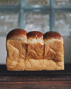 Japanese How to Make Soft & Fluffy Tangzhong Milk Bread (Shokupan) - The Bakeanista High Protein Flour, Protein Bread, Hokkaido Milk Bread, Japanese Milk Bread, Artisan Bread Recipes, Bread Shaping, Asian Snacks, Instant Yeast, Brot