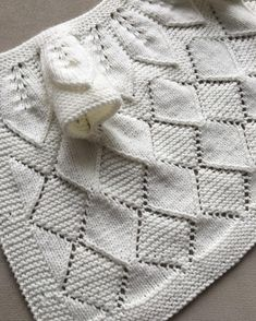diy_crafts-Crochet Baby,Baby Knitting Patterns-A very nice baby vest buPretty model Roba very fashion this year elegant . Baby Afghan Crochet, Baby Girl Crochet, Crochet Baby Booties, Crochet For Kids, Baby Knitting Patterns, Baby Patterns, Knit Cardigan Pattern, Knitted Baby Cardigan, Diy Crafts Dress