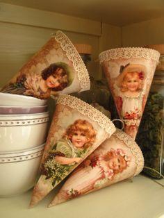 Kornoutky - holčičky s květinami / Zboží prodejce Judith decoration Christmas Stockings, Decoupage, Holiday Decor, Handmade, Beautiful, Girls, Ornaments, Needlepoint Christmas Stockings, Daughters