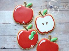 Learn how to decorate apple cookies in this tutorial by SweetAmbs. Fruit Cookies, Iced Sugar Cookies, Apple Cookies, Royal Icing Cookies, Cupcake Cookies, Summer Cookies, Fall Cookies, Cute Cookies, Cupcakes