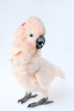 Войлочный розовый какаду