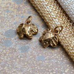Bronze Baby Elephant Charm, Lucky Elephant Charm, Earrings, Natural Bronze, Real Bronze, Charms for Bracelets, Elephant Gifts, Pair,BS70126Q
