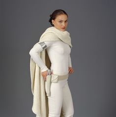 http://www.scificool.com/images/2013/02/Natalie-Portman-as-Padme-Amidala-in-Star-Wars-Prequels-4.jpg