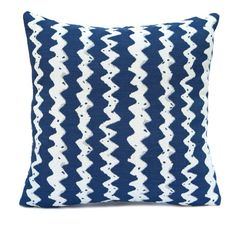 """Navy Blue and White color Linen Blend Pillow Cover with Zigzag Pattern.  Size: 18""""x18"""" Fabric: Linen Blend.  Visit https://www.etsy.com/shop/SHPillows?ref=l2-shopheader-name to see the rest of our collection. Thank you!!"""