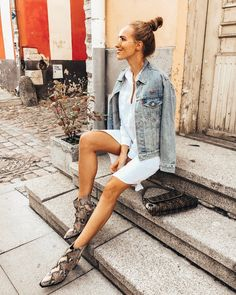 Trend Alert: The Snake Print Boots (+ de 50 looks lo comprueban) Best Cowboy Boots, Cowboy Boot Outfits, Dresses With Cowboy Boots, Booties Outfit, Summer Boots Outfit, Snake Print Boots, Snake Boots, The Snake, Chemises Western