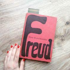 W końcu przeczytam  #wstępdopsychoanalizy #freud #zygmuntfreud #studiapsychologiczne #studygram #study #read #reader #reading #book #books #instabook #bookstagram #czytambolubię #lubimyczytac #staraksiążka #antykwariat #oldbook #psychology