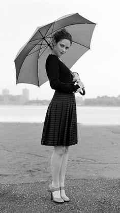 1080x1920 Wallpaper zooey deschanel, dress, brunette, umbrella, black white