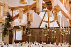 rustic wedding / rustykalna dekoracja sali / fot. Bajkowe Śluby