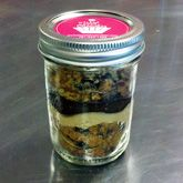 Cupcakes in Jars : Custom 2 Pack-Need to get this for Valentine's Day dessert :)