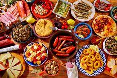 Spanish Cuisine, Spanish Dishes, Spanish Food, Menu Tapas, Lunch Menu, Paella, Brunch Cake, Portuguese Recipes, Gazpacho