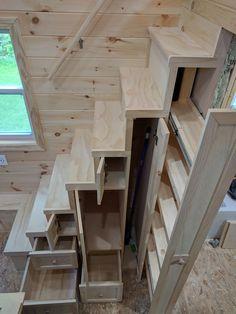 Tiny House Stairs, Tiny House Cabin, Tiny House Plans, Loft Stairs, Tiny House Closet, Cabin Loft, Off Grid Tiny House, Tiny House Bedroom, House Staircase