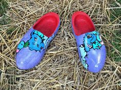 Going up the country (wooden clogs)