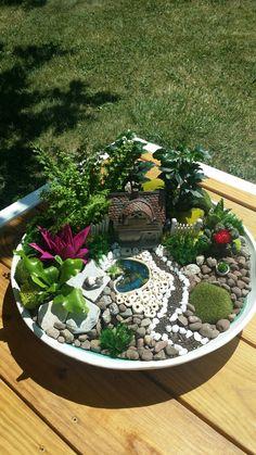 Fairy Garden Pots, Indoor Fairy Gardens, Dish Garden, Garden Yard Ideas, Garden Terrarium, Fairy Garden Houses, Miniature Fairy Gardens, Terrariums, Garden Projects
